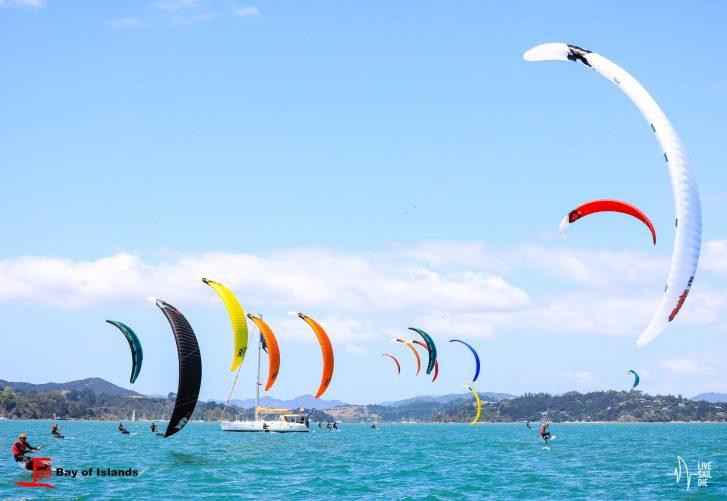 Foiling kites